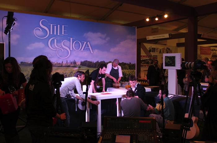 Vinitaly 2013 - Il Mangiadischi allo stand del Custoza